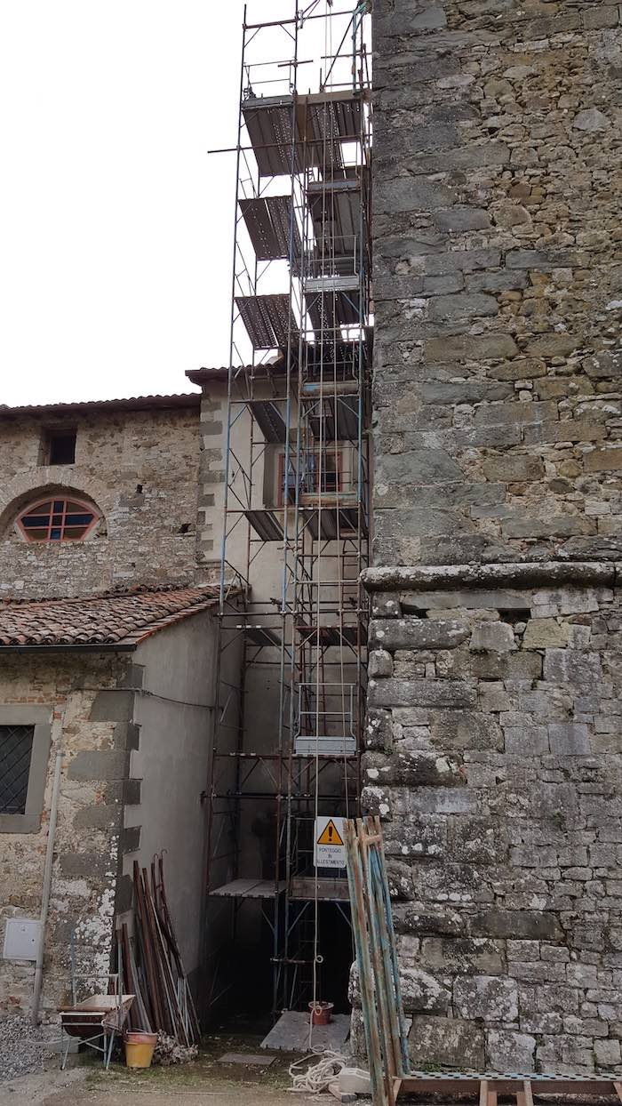"""<span  class=""""uc_style_uc_tiles_grid_image_elementor_uc_items_attribute_title"""" style=""""color:#ffffff;"""">CANTIERE CHIESA DI MIGLIANO - FOSCIANDORA (10)</span>"""