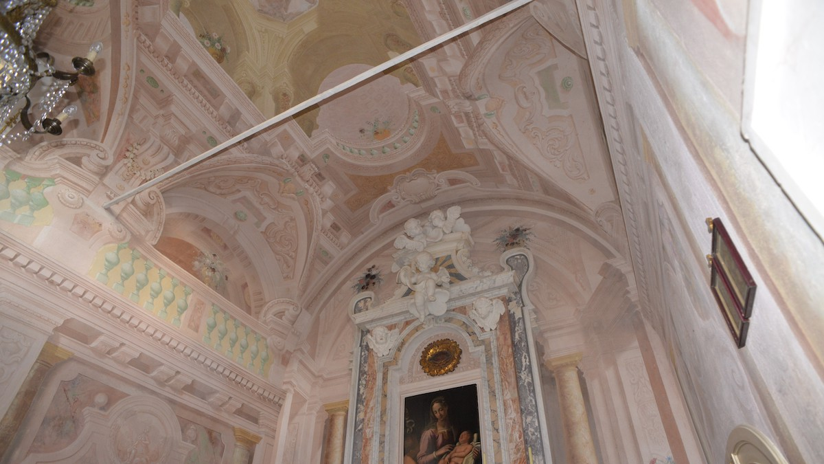 """<span  class=""""uc_style_uc_tiles_grid_image_elementor_uc_items_attribute_title"""" style=""""color:#ffffff;"""">CANTIERE IN LOC. SAN PANCRAZIO - LUCCA (5)</span>"""