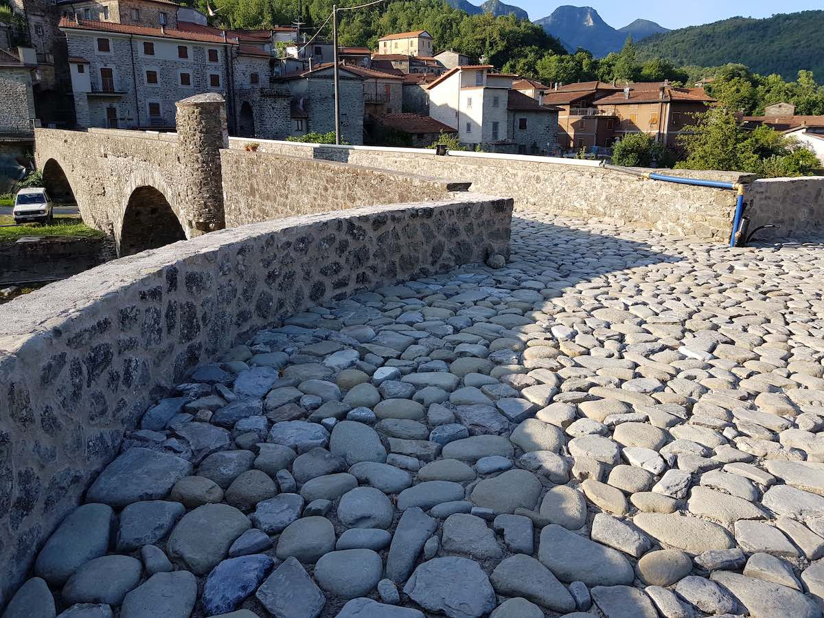 """<span  class=""""uc_style_uc_tiles_grid_image_elementor_uc_items_attribute_title"""" style=""""color:#ffffff;"""">CANTIERE PONTE CODIPONTE – CASOLA IN LUNIGIANA (MS) (10)</span>"""