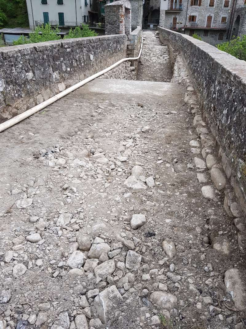 """<span  class=""""uc_style_uc_tiles_grid_image_elementor_uc_items_attribute_title"""" style=""""color:#ffffff;"""">CANTIERE PONTE CODIPONTE – CASOLA IN LUNIGIANA (MS) (2)</span>"""