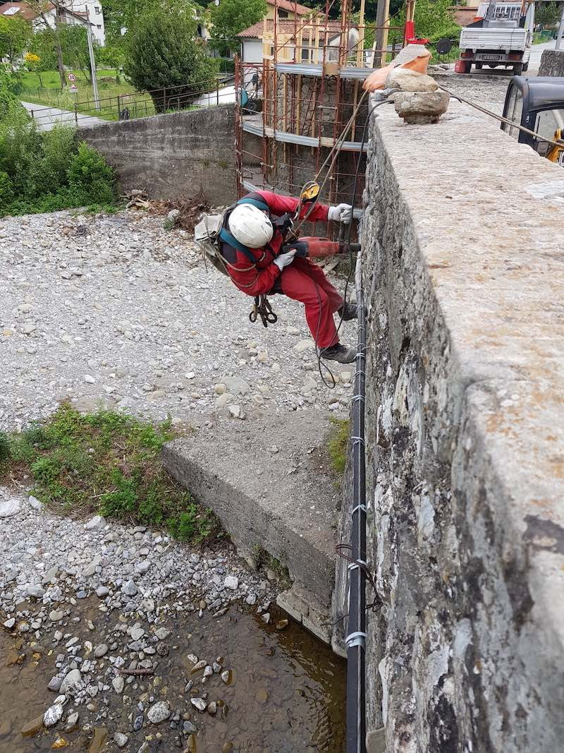 """<span  class=""""uc_style_uc_tiles_grid_image_elementor_uc_items_attribute_title"""" style=""""color:#ffffff;"""">CANTIERE PONTE CODIPONTE – CASOLA IN LUNIGIANA (MS) (4)</span>"""