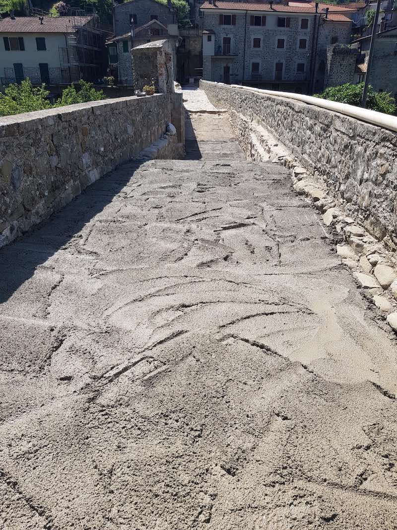 """<span  class=""""uc_style_uc_tiles_grid_image_elementor_uc_items_attribute_title"""" style=""""color:#ffffff;"""">CANTIERE PONTE CODIPONTE – CASOLA IN LUNIGIANA (MS) (7)</span>"""