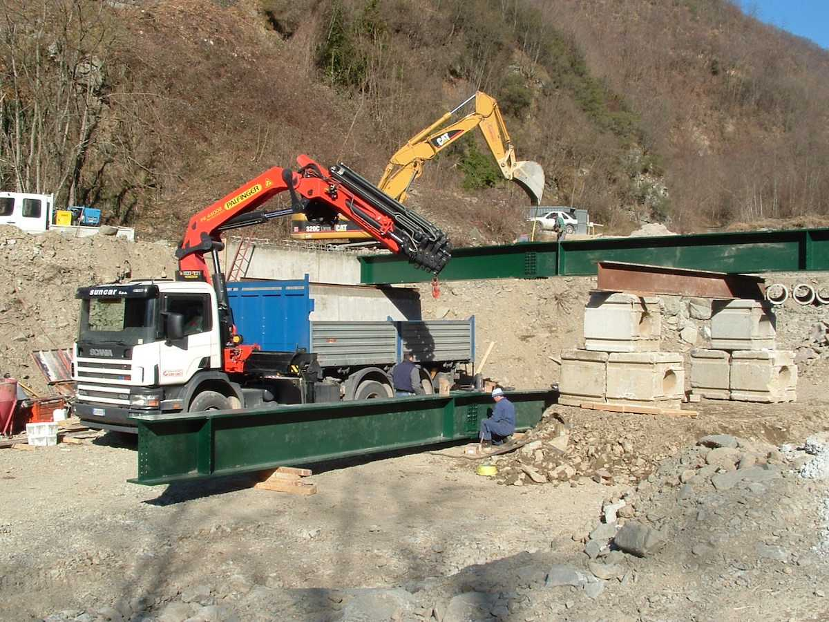 """<span  class=""""uc_style_uc_tiles_grid_image_elementor_uc_items_attribute_title"""" style=""""color:#ffffff;"""">CANTIERE PONTE IN LOC. MONTEBONO – BARGA LOC(1)</span>"""