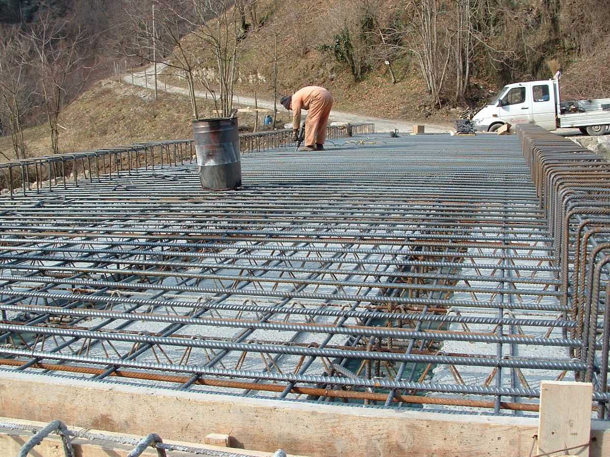 """<span  class=""""uc_style_uc_tiles_grid_image_elementor_uc_items_attribute_title"""" style=""""color:#ffffff;"""">CANTIERE PONTE IN LOC. MONTEBONO – BARGA LOC(2)</span>"""