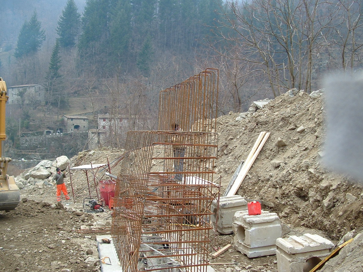 """<span  class=""""uc_style_uc_tiles_grid_image_elementor_uc_items_attribute_title"""" style=""""color:#ffffff;"""">CANTIERE PONTE IN LOC. MONTEBONO – BARGA (LU) (1)</span>"""