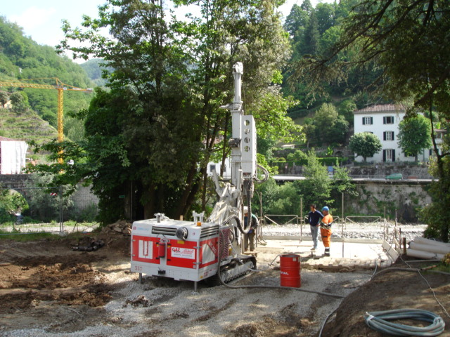 """<span  class=""""uc_style_uc_tiles_grid_image_elementor_uc_items_attribute_title"""" style=""""color:#ffffff;"""">CANTIERE PONTE PEDONALE - BAGNI DI LUCCA (LU) (1)</span>"""