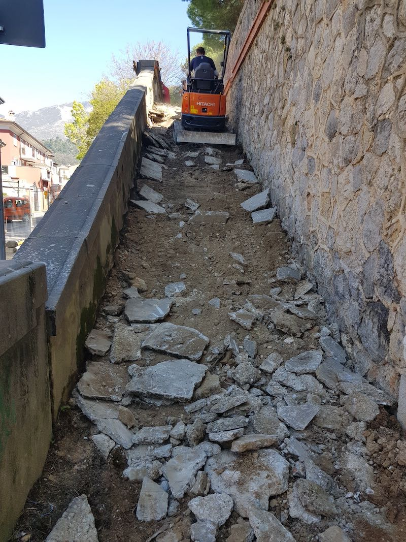 """<span  class=""""uc_style_uc_tiles_grid_image_elementor_uc_items_attribute_title"""" style=""""color:#ffffff;"""">CANTIERE SCALINATA VIA ROSSELLI – CARRARA (MS) (2)</span>"""