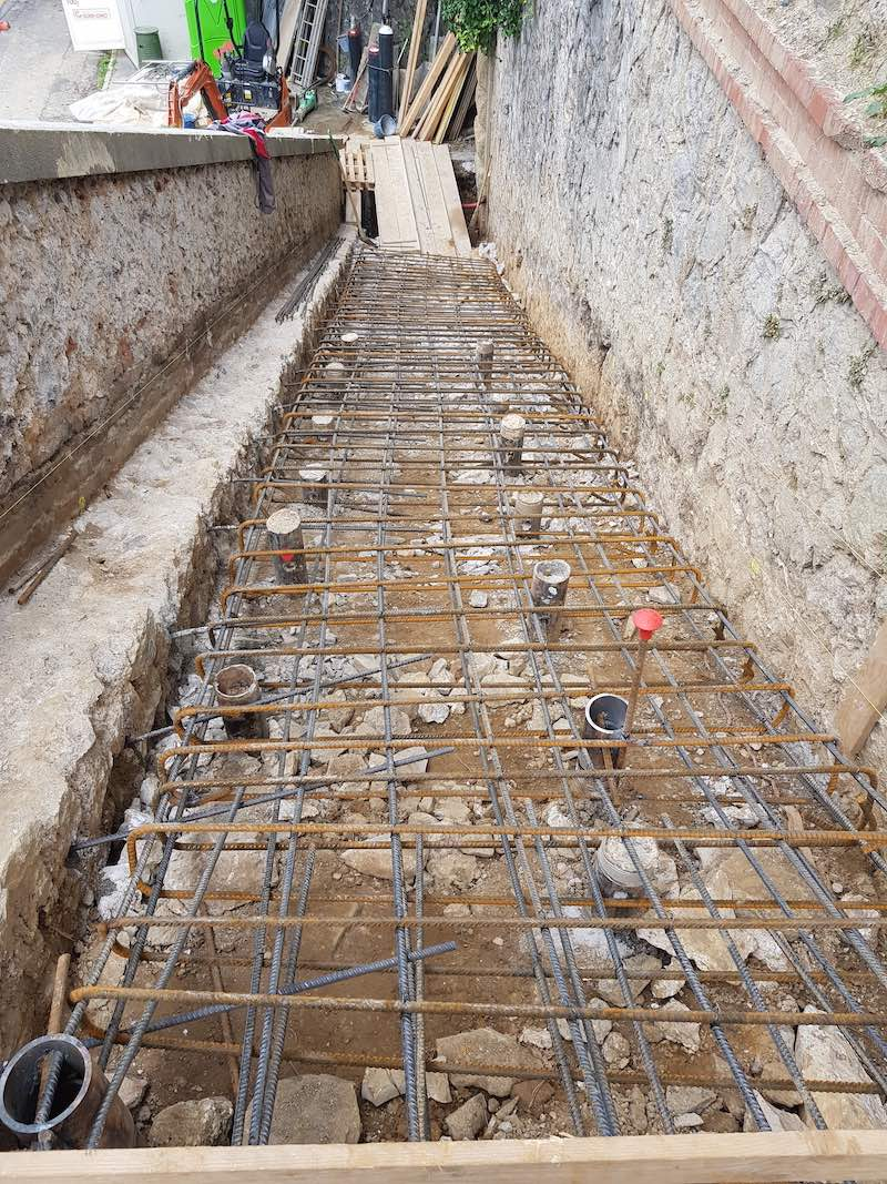 """<span  class=""""uc_style_uc_tiles_grid_image_elementor_uc_items_attribute_title"""" style=""""color:#ffffff;"""">CANTIERE SCALINATA VIA ROSSELLI – CARRARA (MS) (5)</span>"""