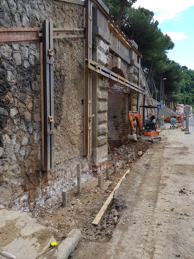 """<span  class=""""uc_style_uc_tiles_grid_image_elementor_uc_items_attribute_title"""" style=""""color:#ffffff;"""">CANTIERE SCALINATA VIA ROSSELLI – CARRARA (MS) (6)</span>"""