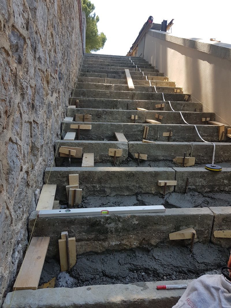 """<span  class=""""uc_style_uc_tiles_grid_image_elementor_uc_items_attribute_title"""" style=""""color:#ffffff;"""">CANTIERE SCALINATA VIA ROSSELLI – CARRARA (MS) (9)</span>"""