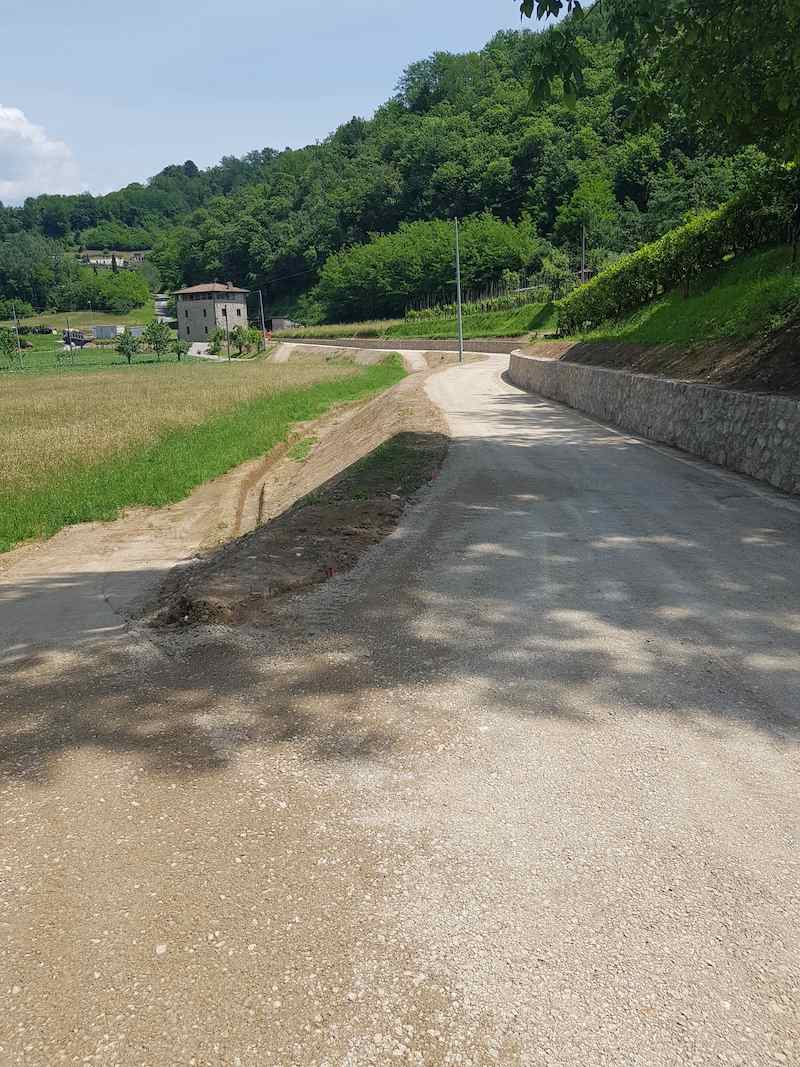 """<span  class=""""uc_style_uc_tiles_grid_image_elementor_uc_items_attribute_title"""" style=""""color:#ffffff;"""">CANTIERE STRADA IN LOC. CAPANNACCIA – GALLICANO(013)</span>"""