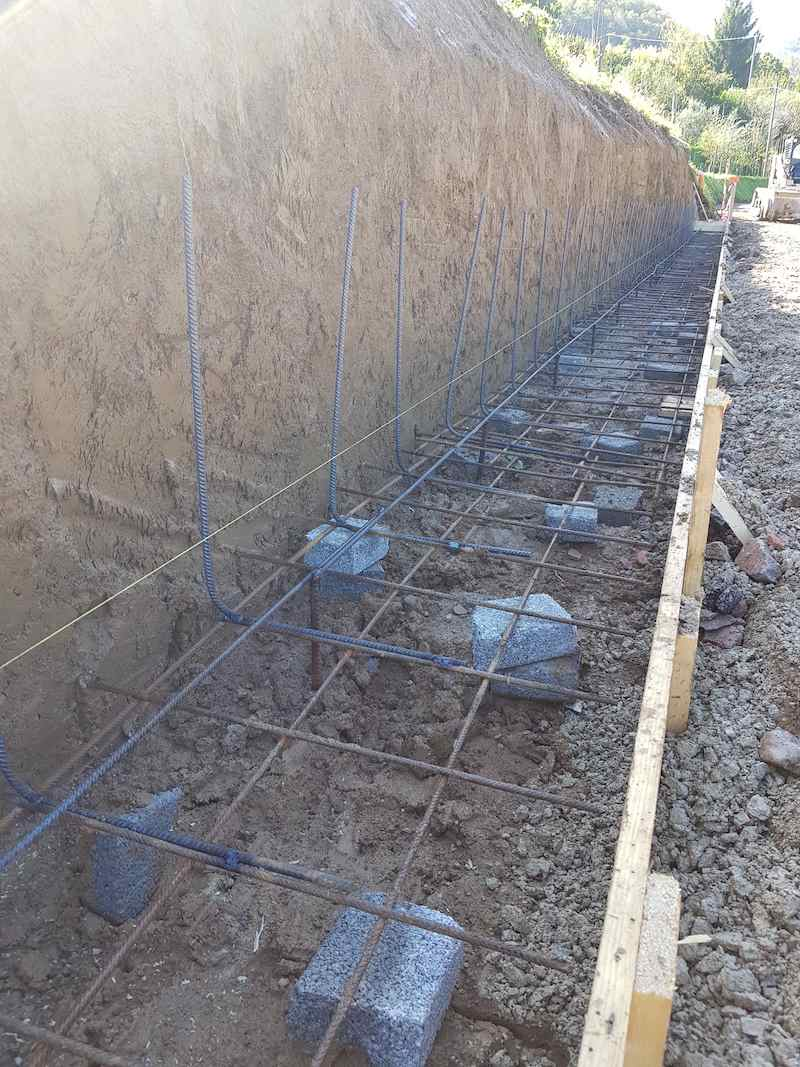 """<span  class=""""uc_style_uc_tiles_grid_image_elementor_uc_items_attribute_title"""" style=""""color:#ffffff;"""">CANTIERE STRADA IN LOC. CAPANNACCIA – GALLICANO(04)</span>"""