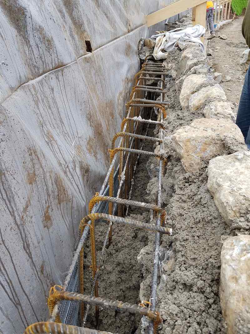 """<span  class=""""uc_style_uc_tiles_grid_image_elementor_uc_items_attribute_title"""" style=""""color:#ffffff;"""">CANTIERE STRADA IN LOC. CAPANNACCIA – GALLICANO(06)</span>"""