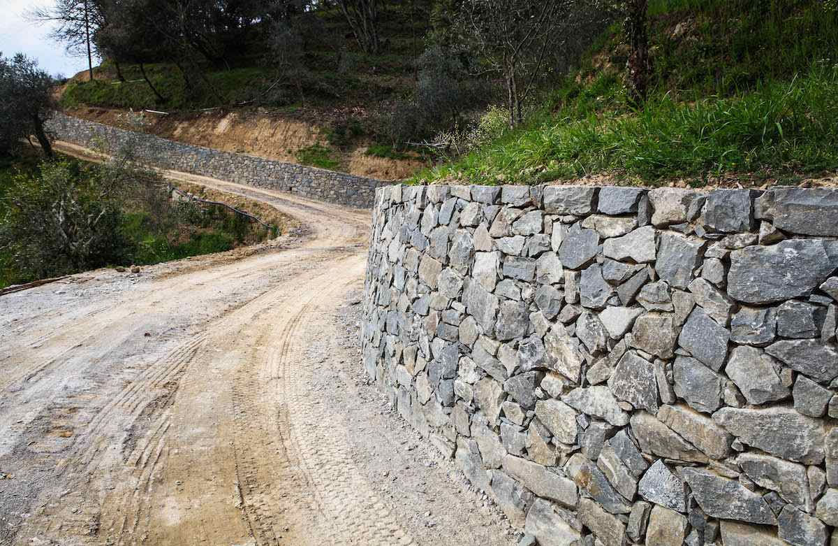 """<span  class=""""uc_style_uc_tiles_grid_image_elementor_uc_items_attribute_title"""" style=""""color:#ffffff;"""">CANTIERE STRADA PRIVATA IN LOC. TRAMONTE – LUCCA (2)</span>"""