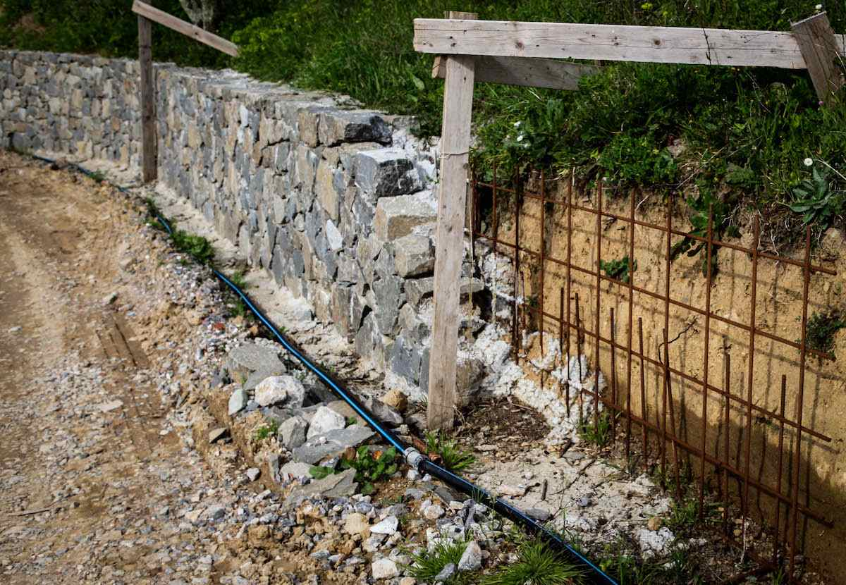 """<span  class=""""uc_style_uc_tiles_grid_image_elementor_uc_items_attribute_title"""" style=""""color:#ffffff;"""">CANTIERE STRADA PRIVATA IN LOC. TRAMONTE – LUCCA (4)</span>"""