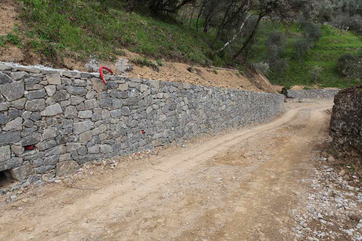 """<span  class=""""uc_style_uc_tiles_grid_image_elementor_uc_items_attribute_title"""" style=""""color:#ffffff;"""">CANTIERE STRADA PRIVATA IN LOC. TRAMONTE – LUCCA (6)</span>"""